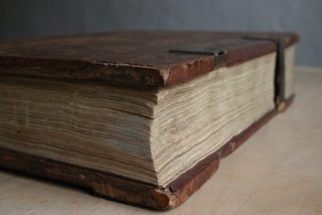 Gutenberg Bibel auf Hanfpapier