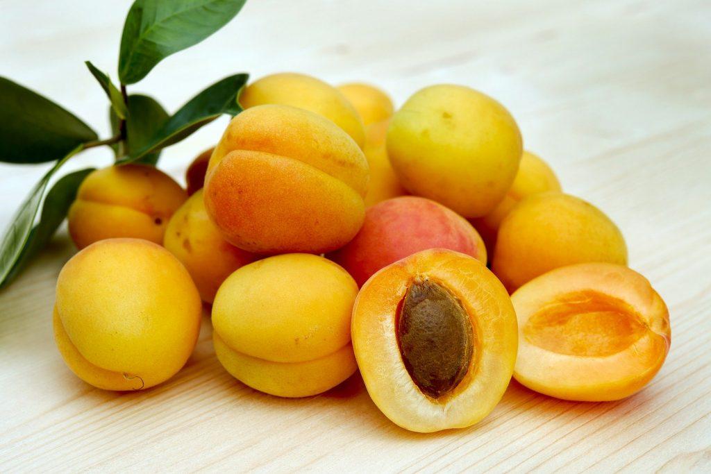 Aprikosenkernöl gegen trockene Haut