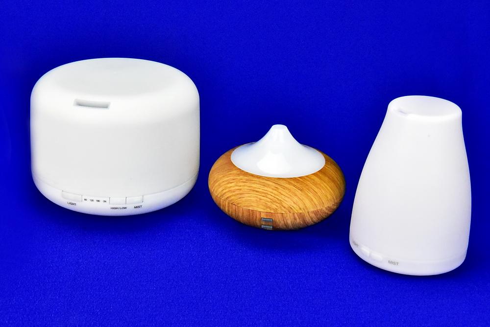 Verschiedene moderne elektrische Aromavernebler